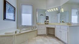 O banheiro com banheira é um espaço muito importante nas casas, por isso merece atenção especial no projeto e decoração. Acesse e leia!