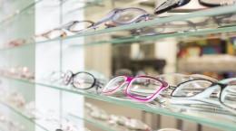 Óculos de grau precisa combinar com a roupa?